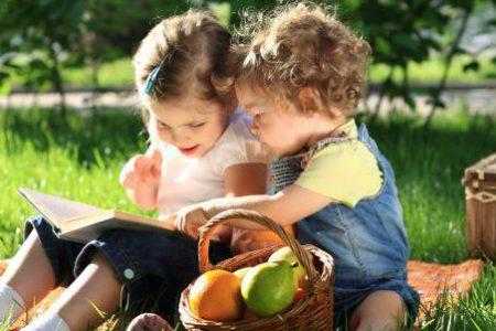 Sagan och lekens betydelse, visa föräldrar varför och hur – kurs för pedagoger och BVC
